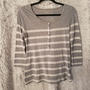 Old Navy Women's Gray/White Medium Shirt (A119)